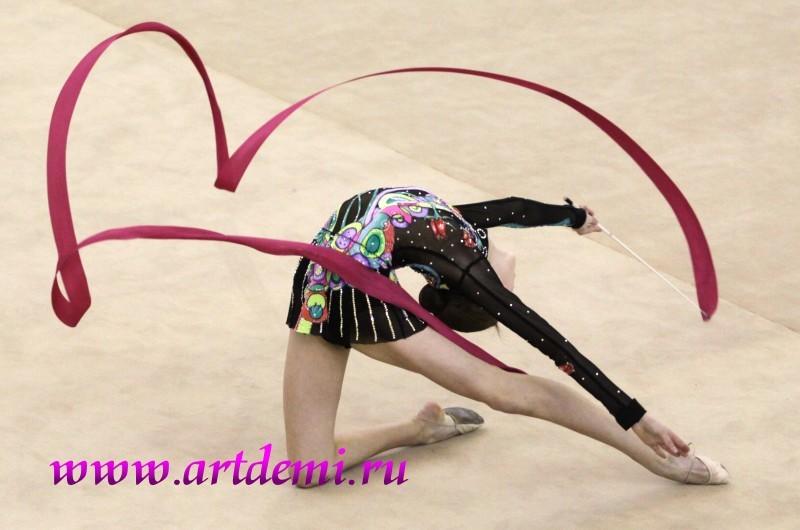 Фото гимнастки с порванным костюмом 29 фотография
